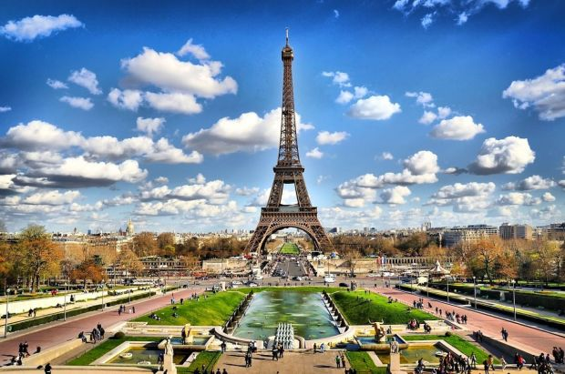 paris-turismo-press-abroad